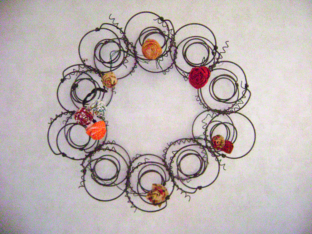 round_wreath_flowers
